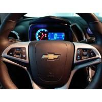 Накладки на руль вокруг кнопок управления музыкой и круизом Chevrolet